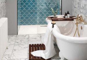 להמחיש קרמיקה דמוי שיש בחדר אמבטיה